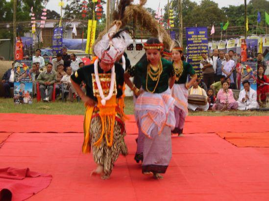 Famous Folk & Classica Dances of India - manipuri folk dance