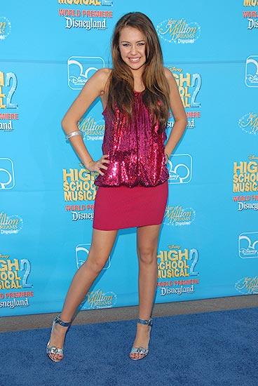 Miley Cyrus at a award.. Daily life -