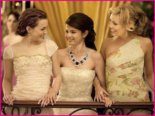 selena gomez monte carlo wallpapers. Selena With Other Actress In
