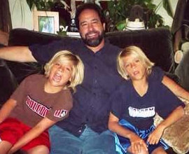 Dylan And Cole Sprouse Dad blog-city info